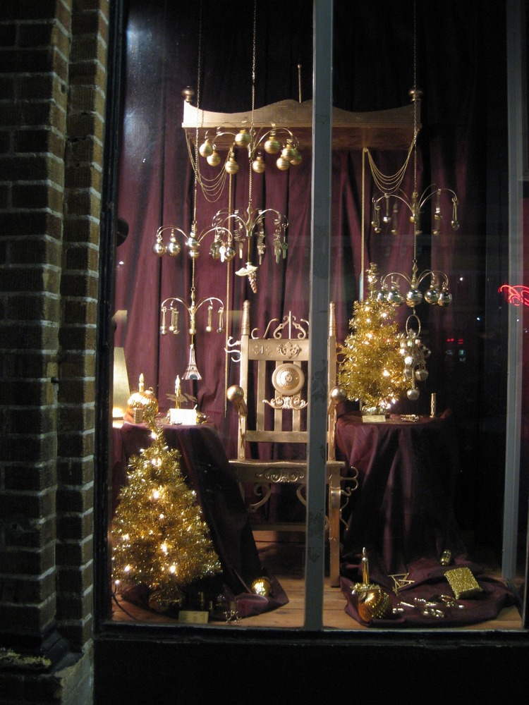 Window Display - Joy to All Royal - Cole Hardware