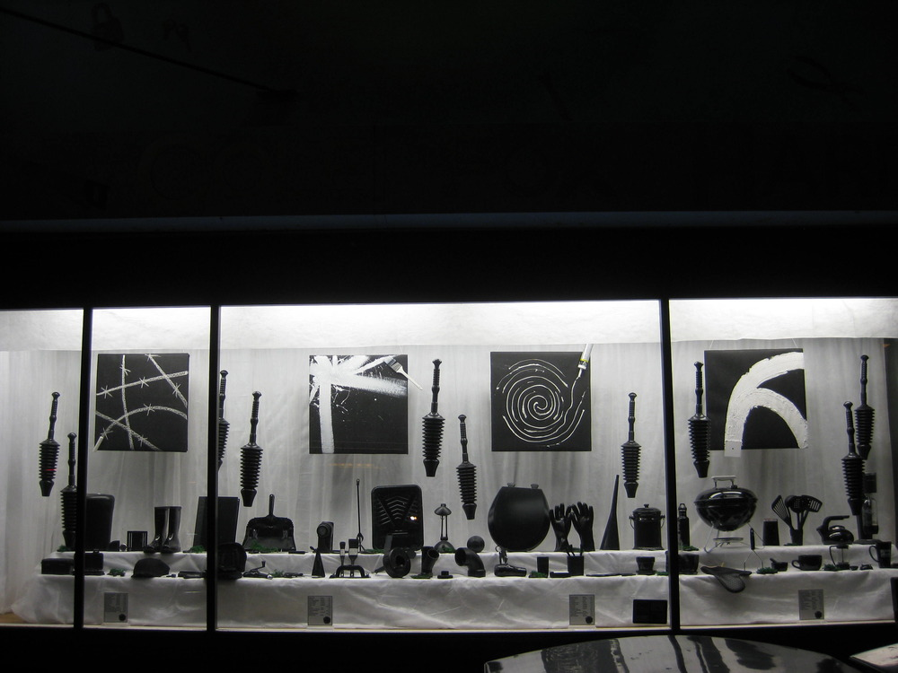 Window Display - Monodramatic - Cole Hardware