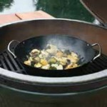 Big Green Egg - Grill Wok